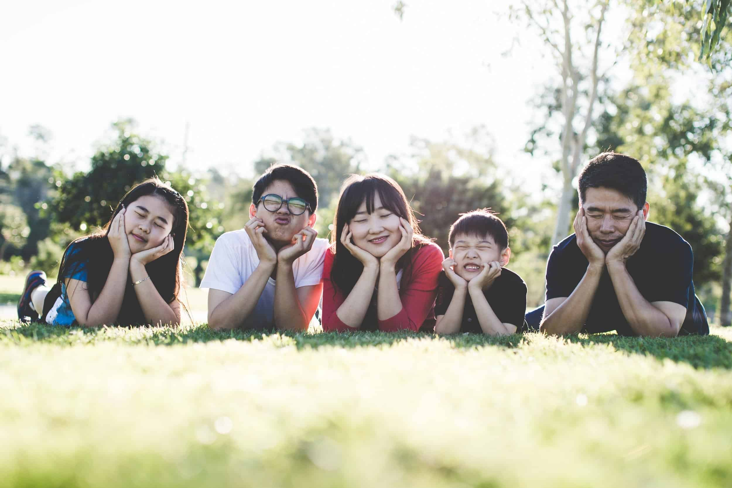 family outdoor happy happiness 160994